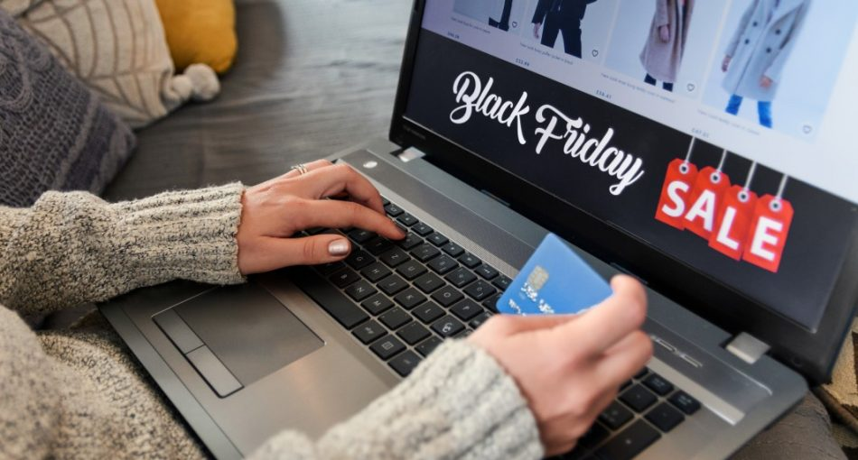 black-friday-online-shopping-browsing-deal-device-digital-electronic-female-financial-information_t20_Xx1KLz